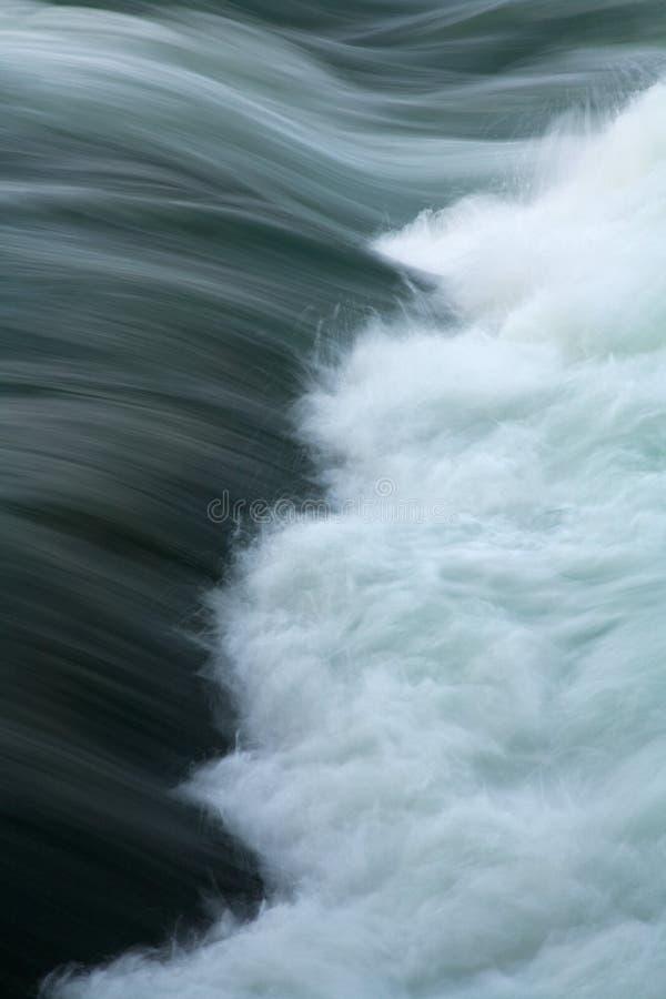 настоящее whitewater реки rapids стоковые изображения rf