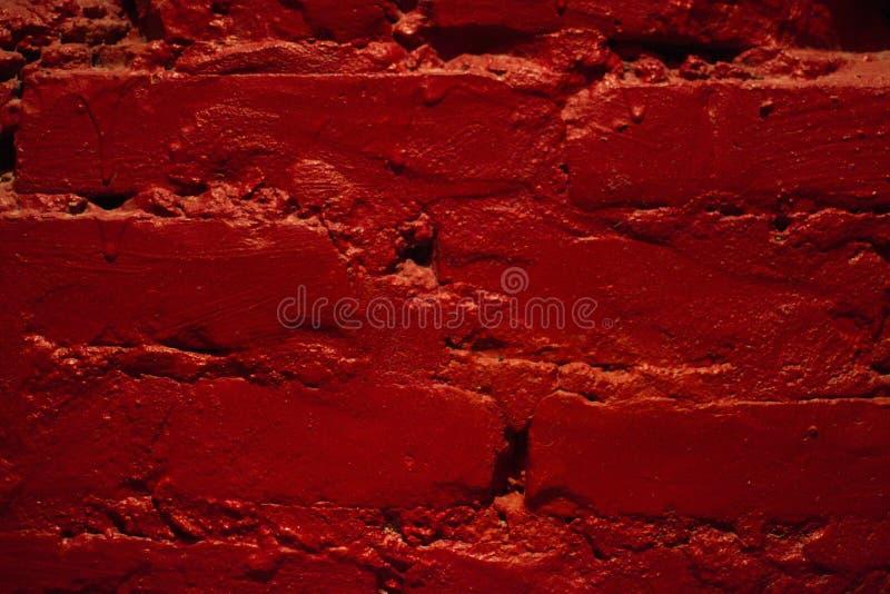Насыщенная стена с красной краской стоковое фото rf