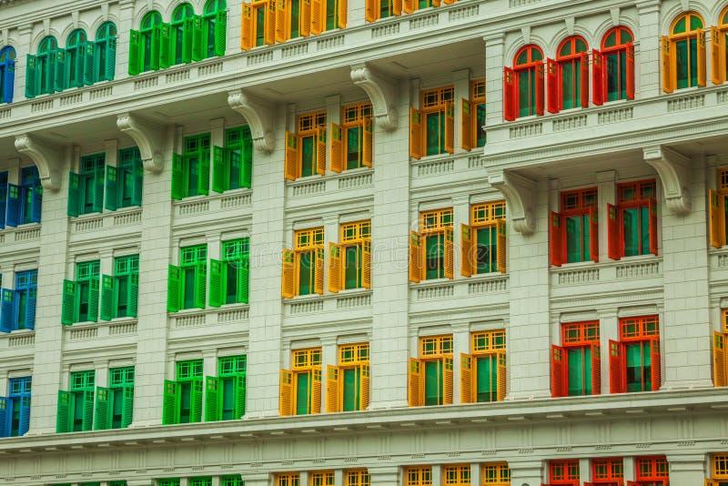 Наследие красочное Windows в Сингапуре стоковые фотографии rf
