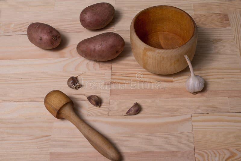 Натюрморт картошки и чеснока стоковые изображения rf