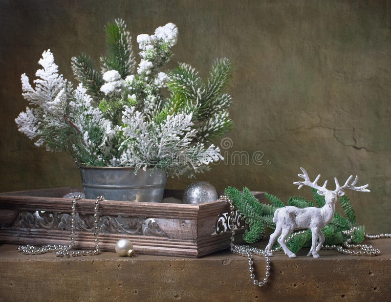 Натюрморт рождества с украшениями рождества стоковое изображение rf