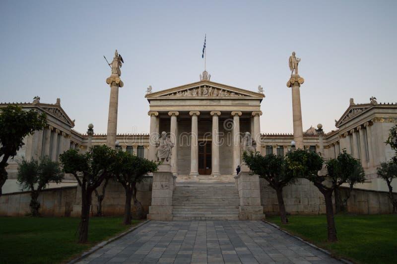 Национальная академия Афин, исторического здания с столбцами и стоковые фото
