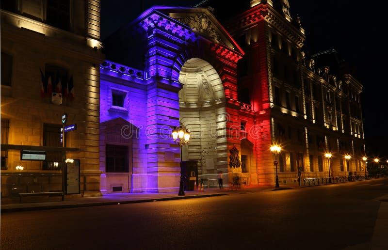 Национальные цвета в освещении в Париже, Франции стоковые изображения rf