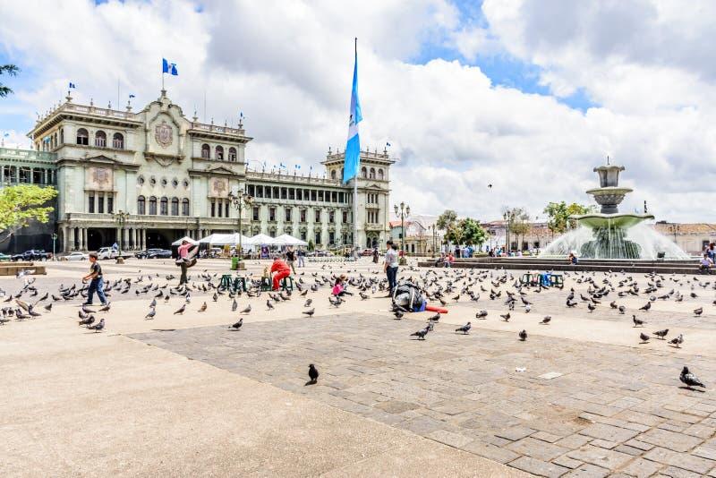 Национальный дворец культуры, Площади de Ла Constitucion, Гватемалы стоковые фотографии rf