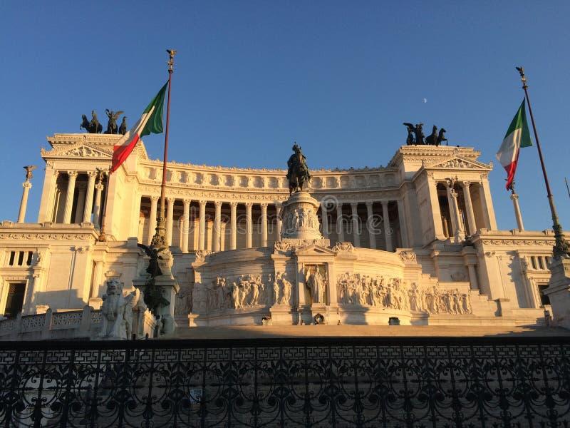 Национальный монумент итальянки Vittorio Emanuele II стоковые фото