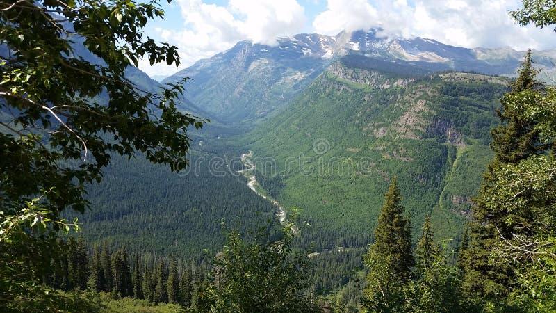 Национальный парк ледника с рекой стоковая фотография