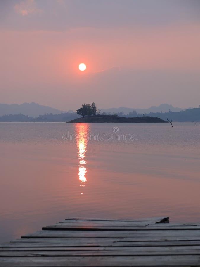 Национальный парк Khao Laem | Место красивых и природы в Таиланде стоковое фото