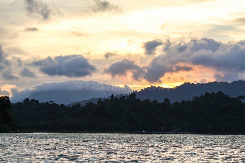 Национальный парк KHAO SOK, Suratthani Таиланд стоковые изображения rf