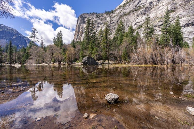Национальный парк Yosemite озера зеркал стоковое фото rf