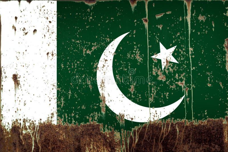 Национальный флаг Пакистана на текстуре металла стоковое изображение rf