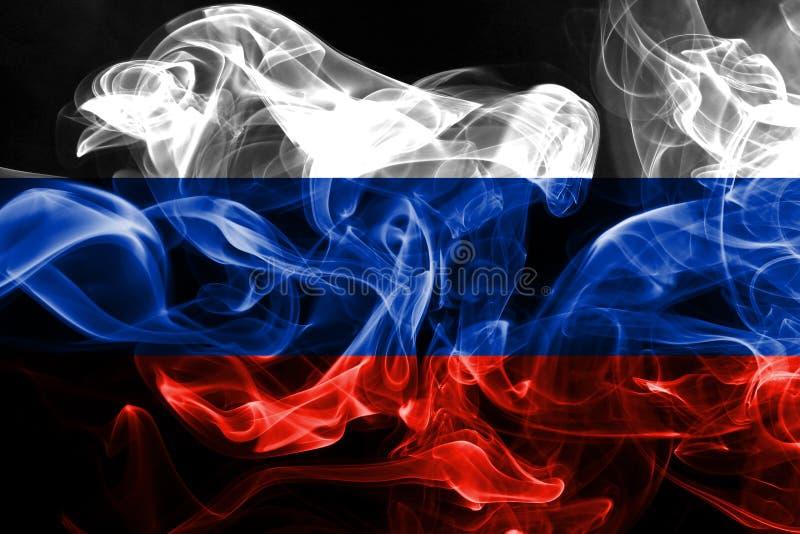 Национальный флаг России сделал от покрашенного изолированного дыма на черной предпосылке стоковое изображение