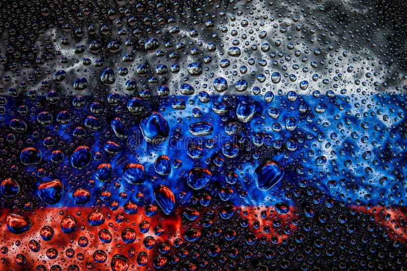 Национальный флаг России с падениями стоковые фотографии rf