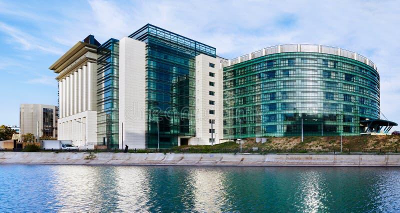 Национальная библиотека Румынии в Бухаресте стоковое фото rf