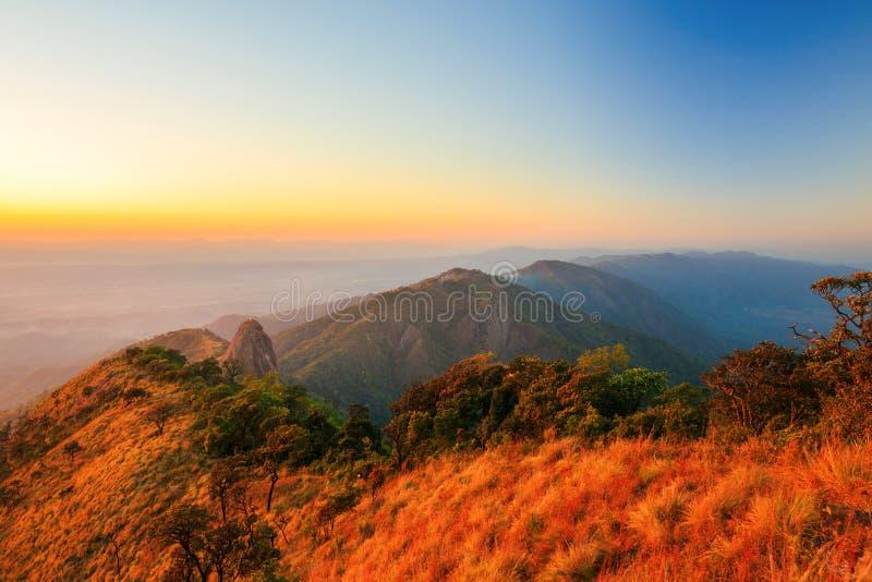Национальный парк luang Doi на заходе солнца стоковые изображения rf