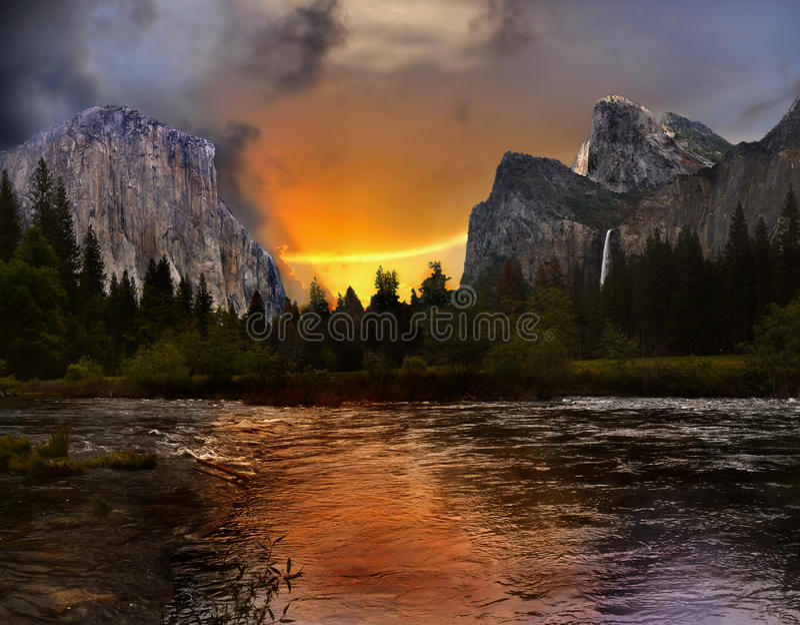 Национальный парк Yosemite, заход солнца стоковая фотография
