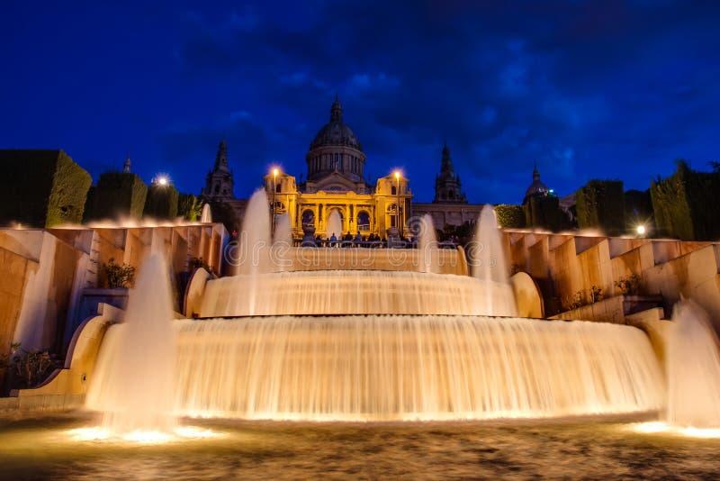 Национальный фонтан Барселоны дворца стоковые фото
