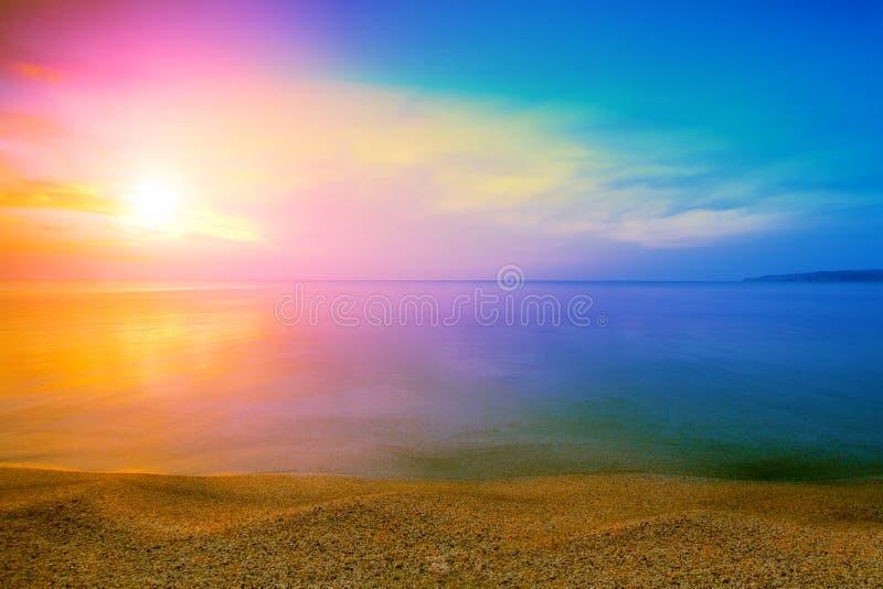 над восходом солнца моря стоковые изображения rf