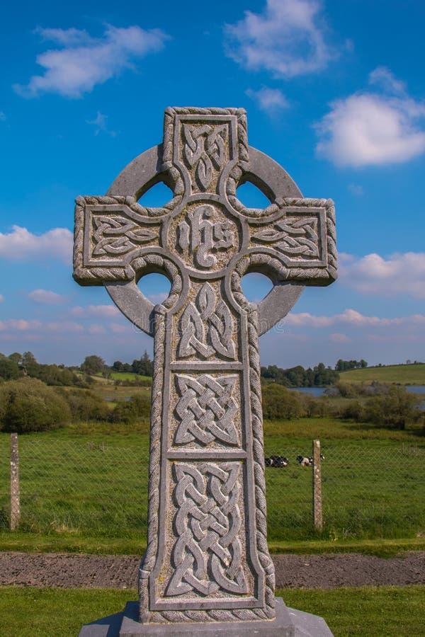 Надгробный камень стиля кельтского креста стоковое изображение