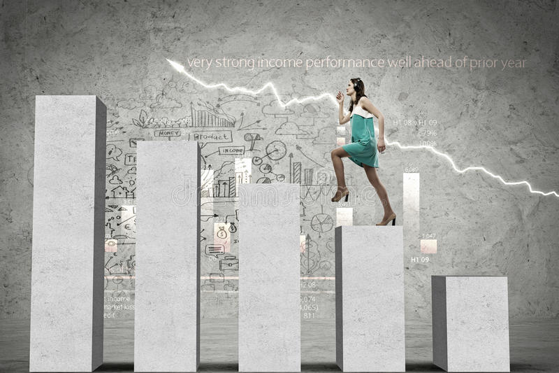 На лестнице успеха стоковые изображения rf