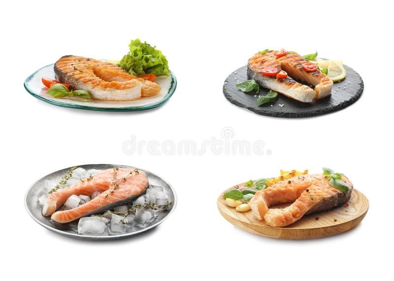 На заднем плане - свежие сырые и приготовленные стейки лосося Рыбная деликатность стоковое изображение