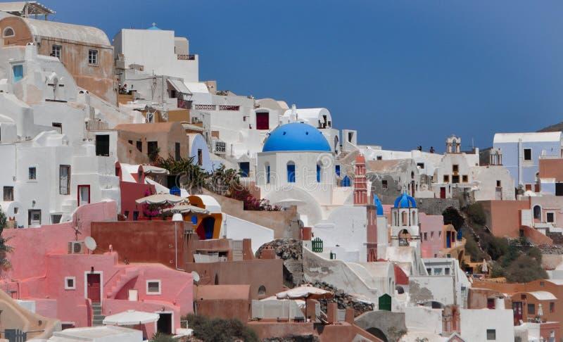 На красивых взглядах Santorini стоковое изображение