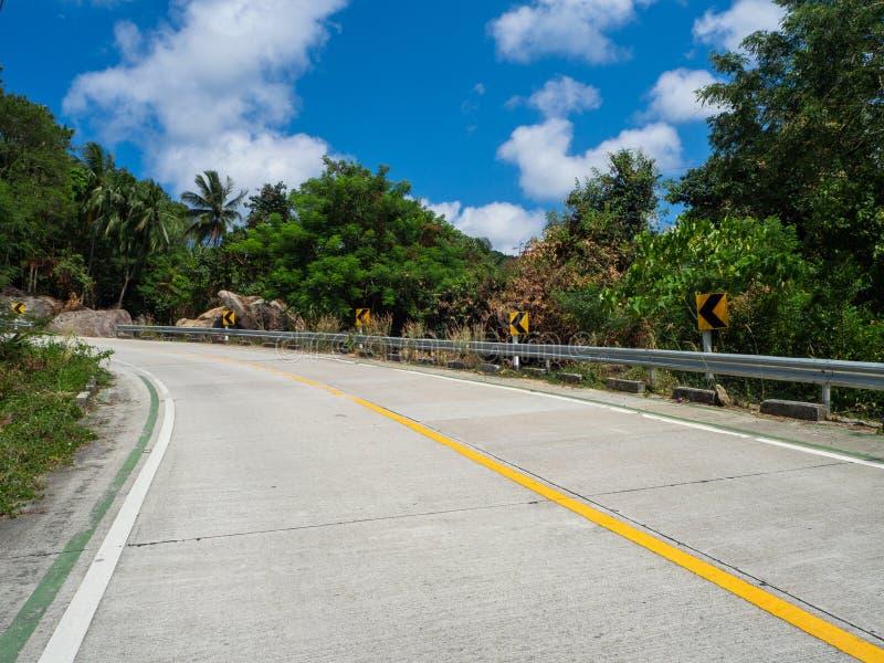 На красивых дорогах Koh Phangan стоковое фото