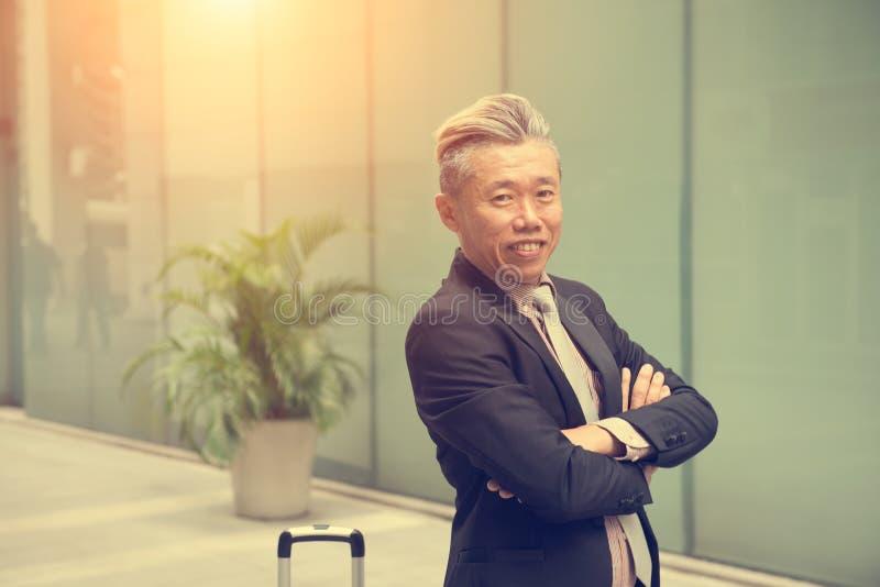 На открытом воздухе азиатского дела мужское стоковые изображения
