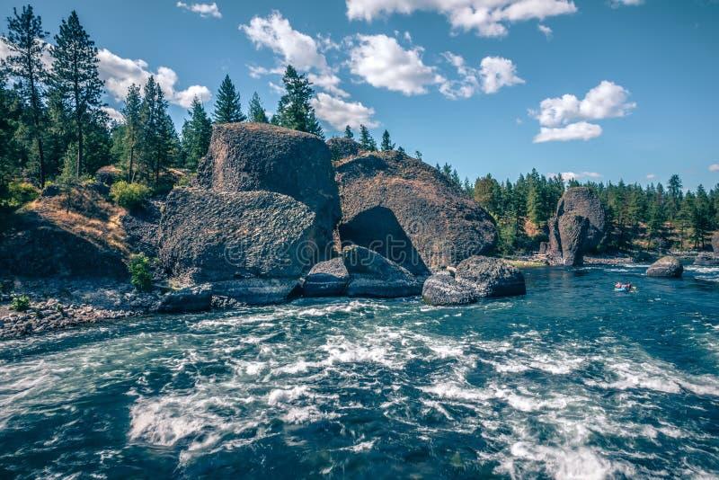 На парке штата шара и кувшина берега реки в spokane Вашингтоне стоковая фотография