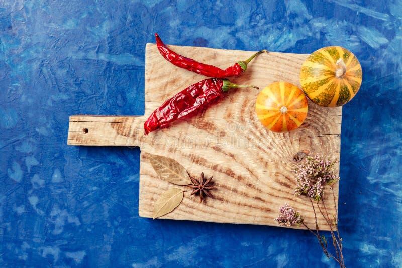 На перце доски кухни стоковые изображения rf
