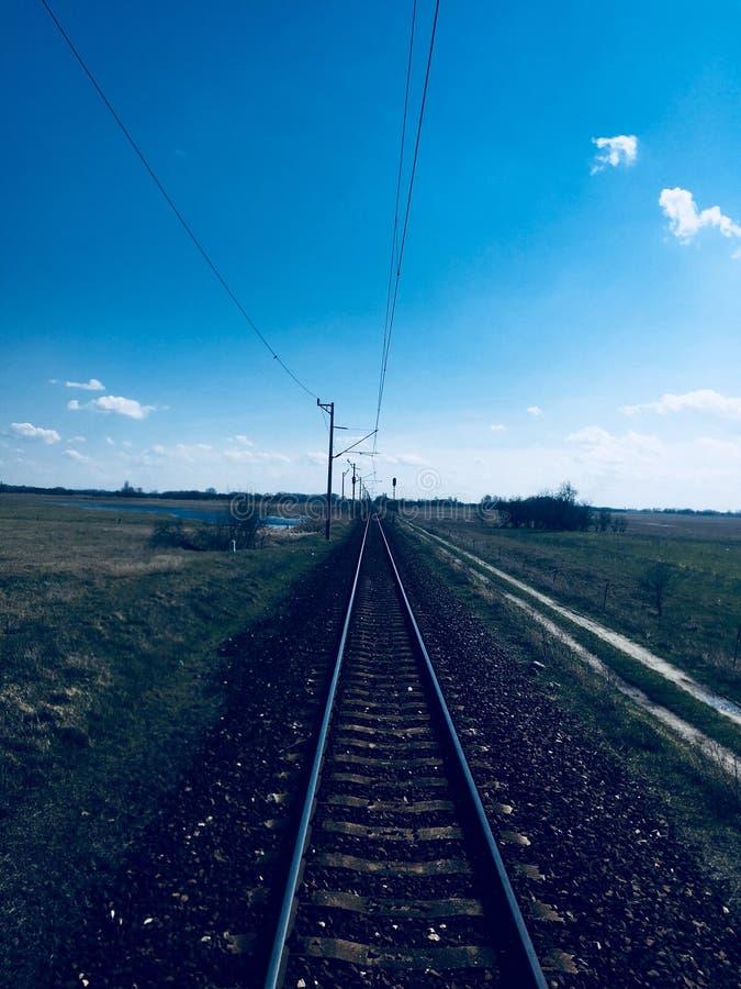 На поезде стоковая фотография