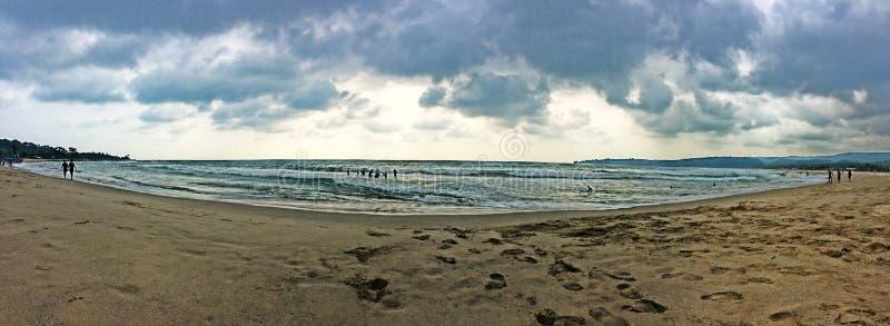 На пляже Swarna, Индонезия стоковые изображения