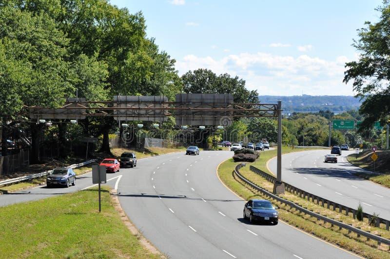 На разветвленной дороге стоковое изображение rf