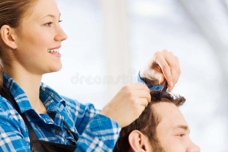 Download На салоне красоты стоковое фото. изображение насчитывающей hairdressing - 41651466