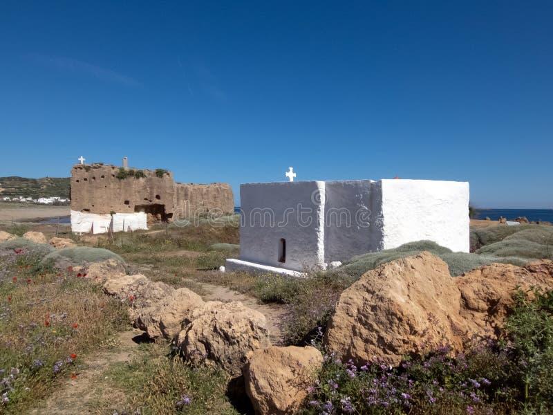 Небольшая церковь в острове Skyros в Греции стоковое фото