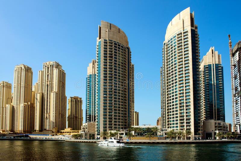 Download Небоскребы в Дубай стоковое фото. изображение насчитывающей пляжа - 37926476