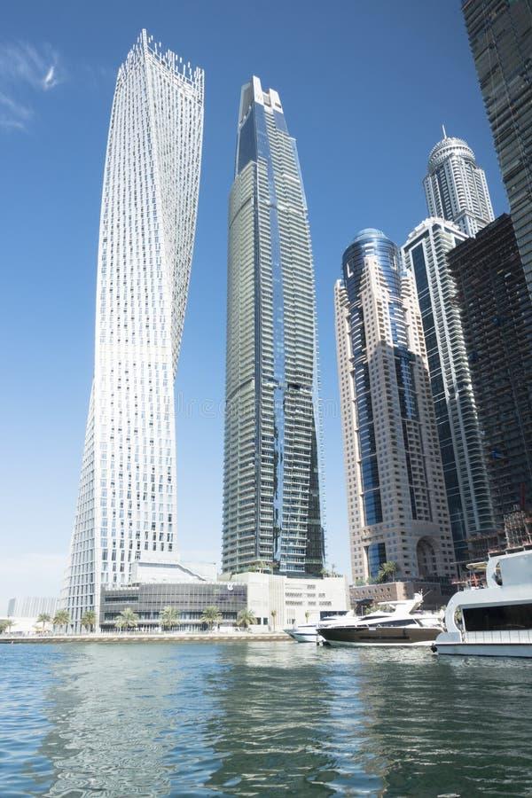 Небоскребы в Марине Дубай, ОАЭ, изображении портрета известного назначения на праздник в Азии или Ближнем Востоке стоковая фотография