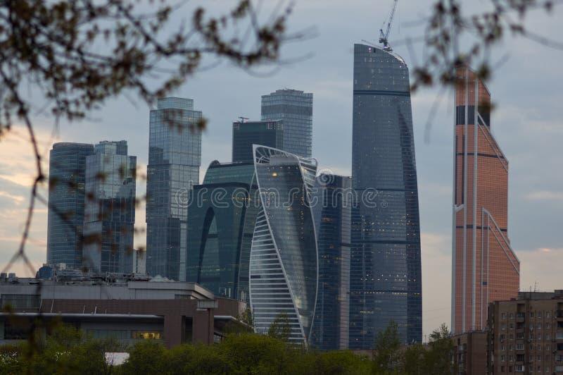 Небоскребы города Москвы стоковые фотографии rf