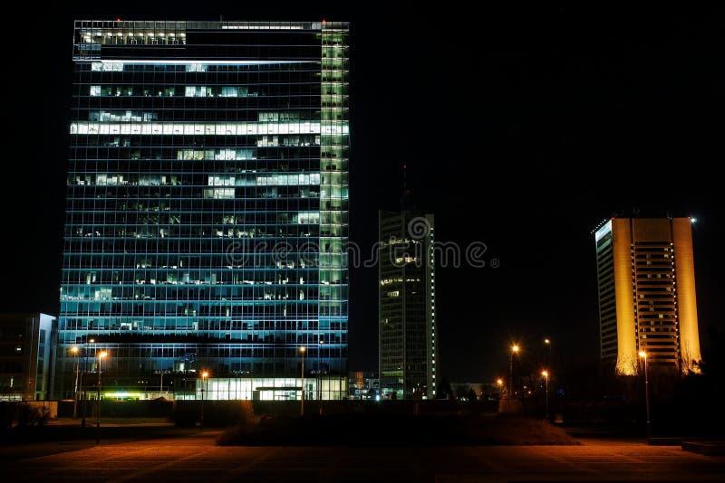 небоскребы prague pankrac простые стоковые изображения rf
