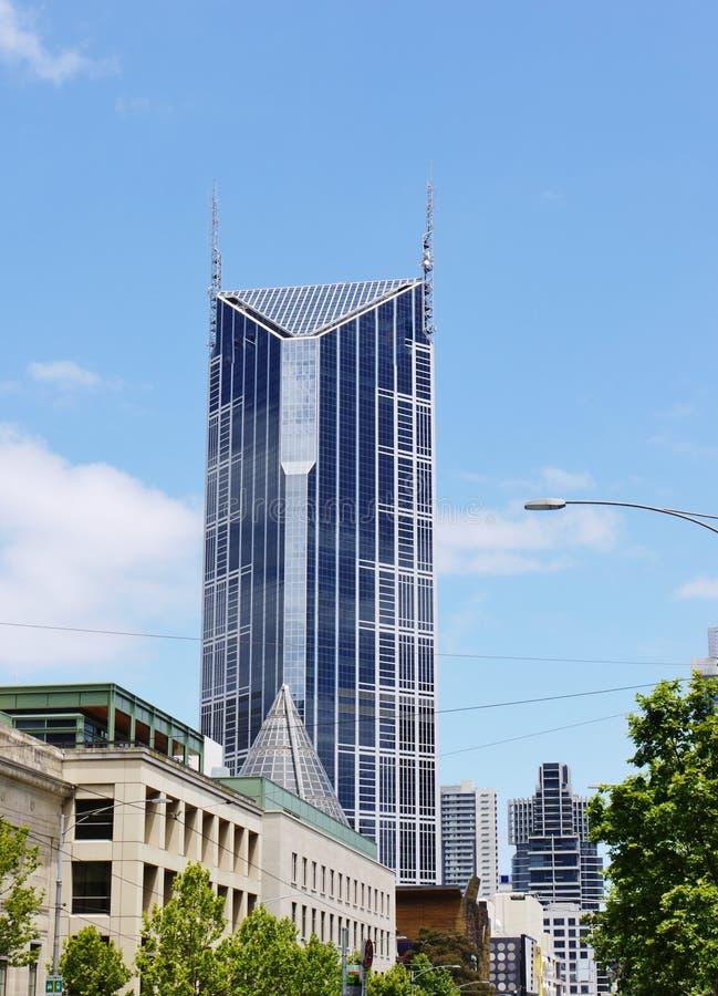 Download Небоскреб напротив голубого неба Редакционное Стоковое Фото - изображение насчитывающей панорама, обзор: 37926003