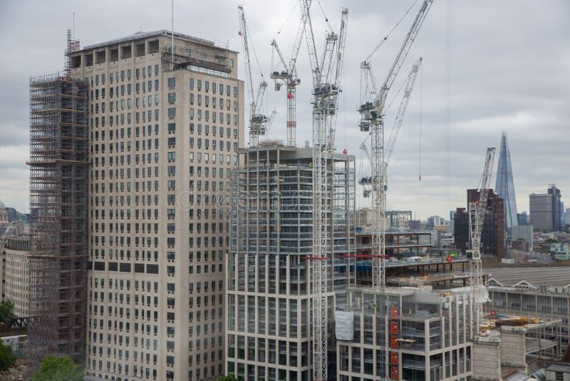 Небоскреб строительной площадки новый в городе Лондона стоковая фотография rf