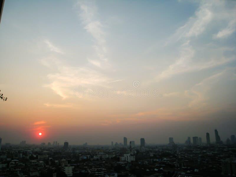 Небоскреб, центр города, городские пейзажи Бангкока, заход солнца, зима, Thaila стоковые фото