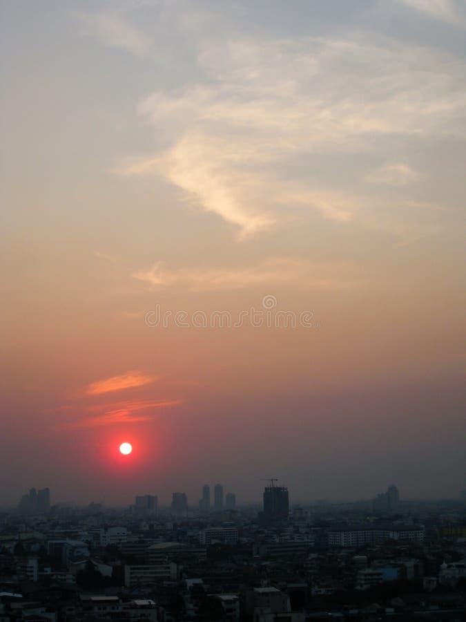 Небоскреб, центр города, городские пейзажи Бангкока, заход солнца, зима, Thaila стоковое изображение