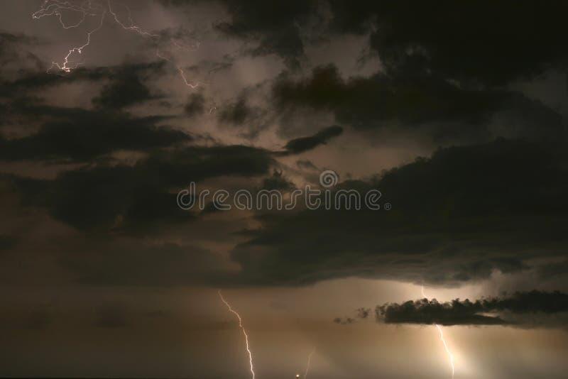 Download небо бурное стоковое фото. изображение насчитывающей pete - 488528