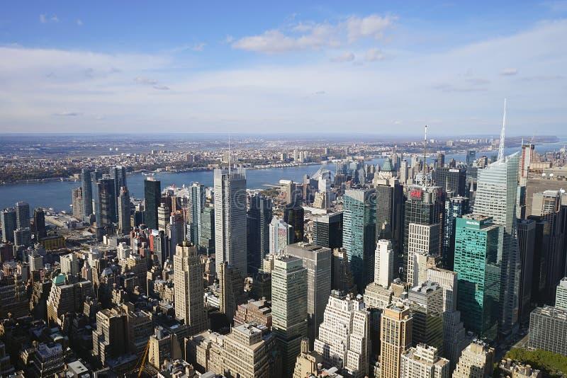 Небо горизонта Нью-Йорка Manhatten США стоковое изображение