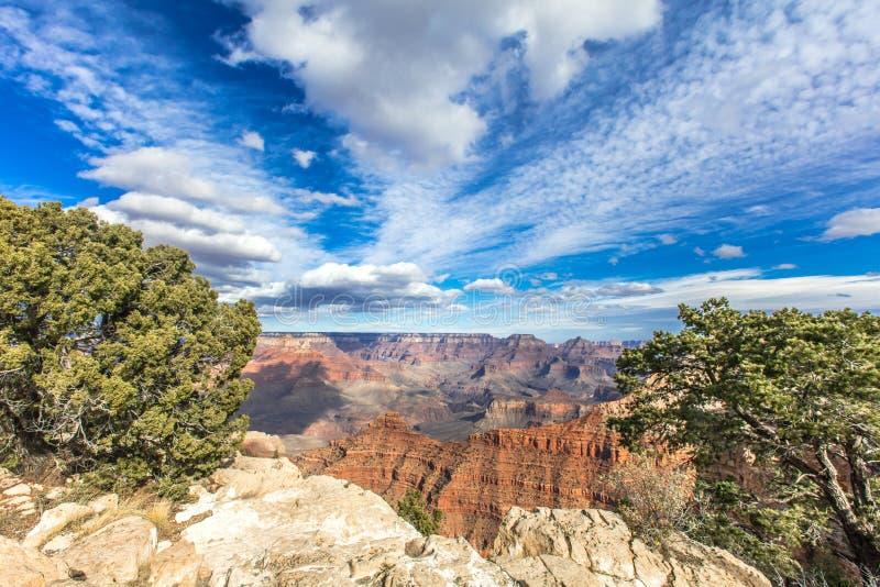 небо голубого дня каньона грандиозное солнечное стоковая фотография rf