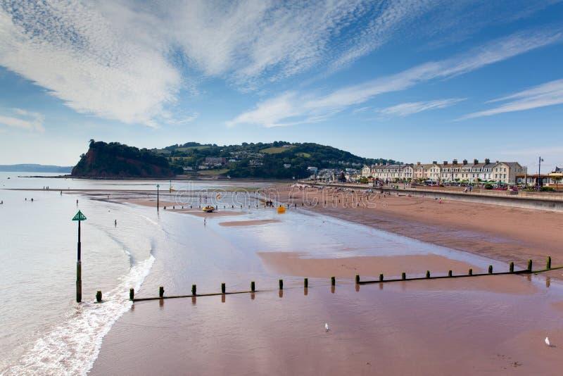 Download Небо Девона пляжа Teignmouth голубое и белые облака Стоковое Изображение - изображение насчитывающей baxter, bluets: 33738291