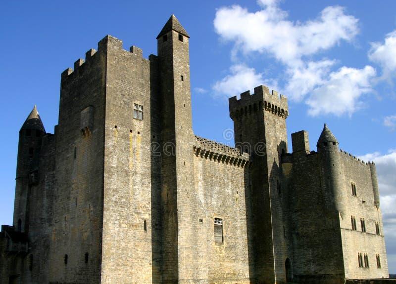 небо замока beynac голубое стоковое фото