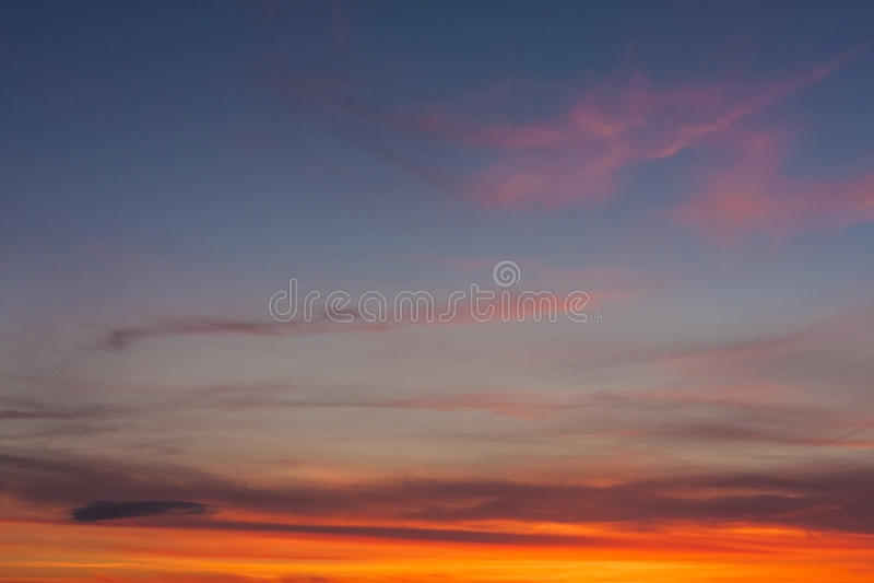 Небо захода солнца для предпосылок стоковые изображения