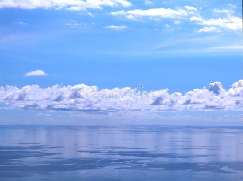 небо зеркала стоковое изображение rf