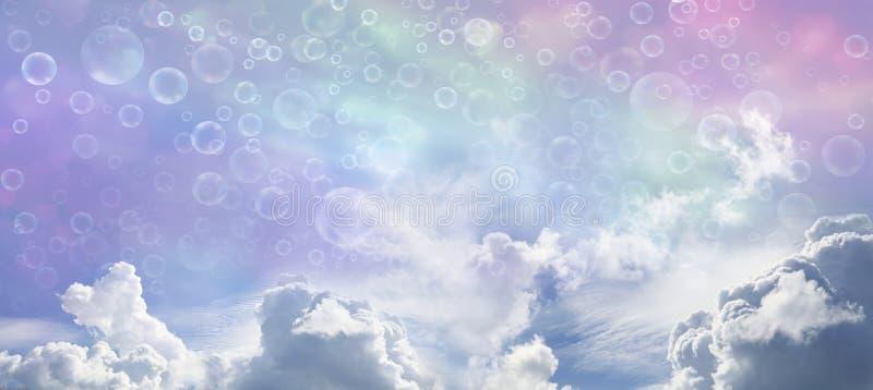 Небо и пузыри фантазии широкие голубое стоковая фотография rf